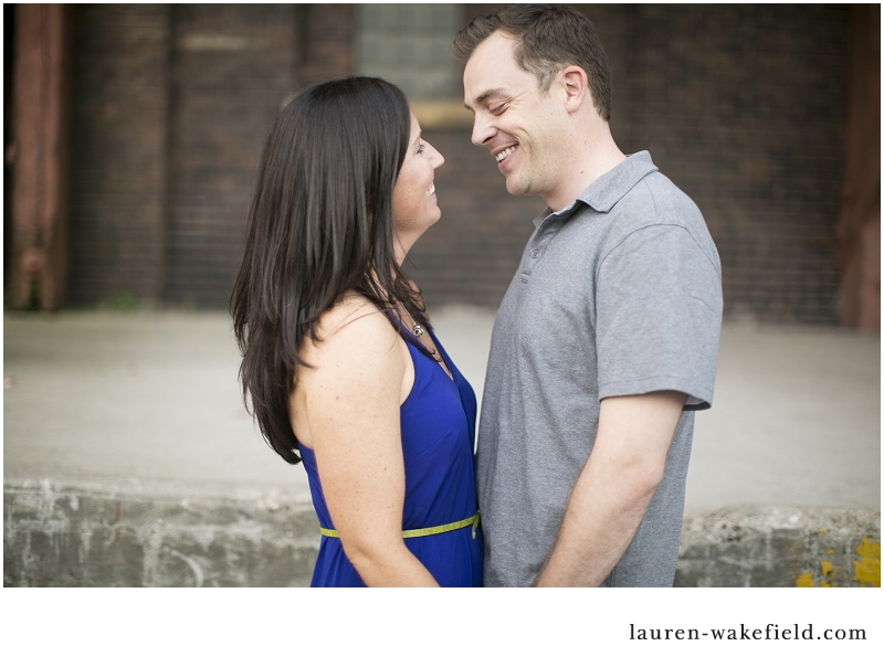 Chicago engagement photographer, Chicago wedding photograpehr, Erie Park Engagement photos, Kinzie bridge engagement photos, erie park, kinzie bridge