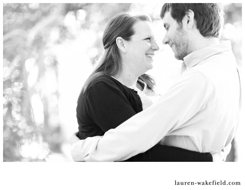 chicago wedding photographer, chicago wedding photos, north pond engagement photos, lincoln park engagement photos_001
