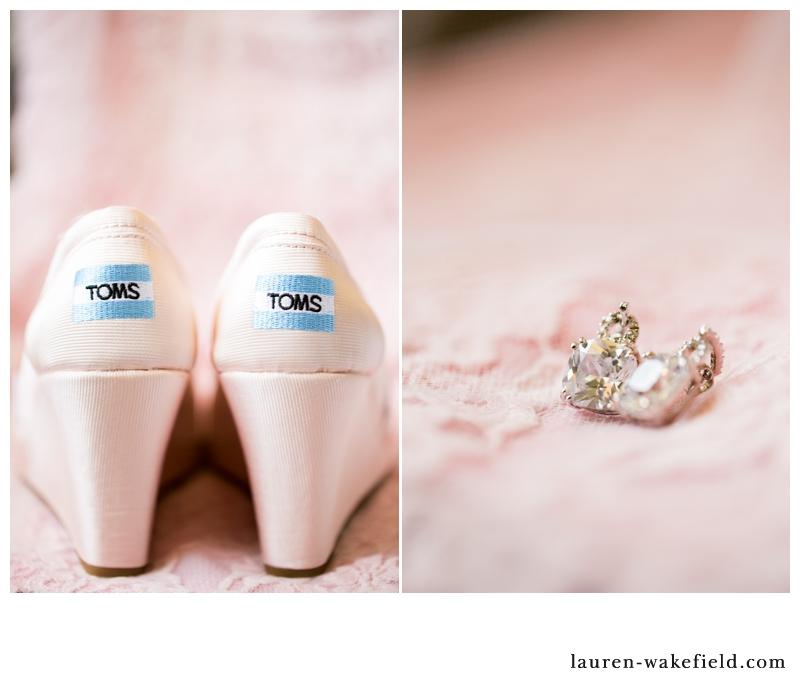 kentucky wedding photographer, buffalo trace distillery wedding, outdoor wedding, blush and gold wedding, chicago wedding photographer_002